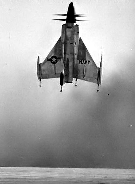 Le XFY-1 au décollage (vue de derrière)