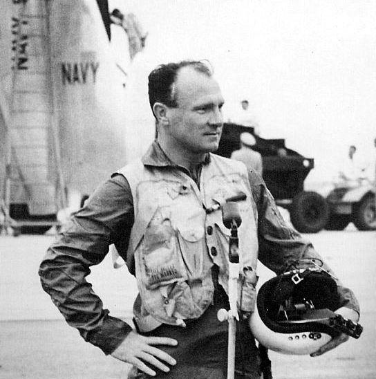 """James F. """"Skeet"""" Coleman, l'exceptionnel pilote du XFY-1 qui reçu l'Harmon Trophy en 1954 pour ses exploits sur le premier VTOL de l'histoire"""